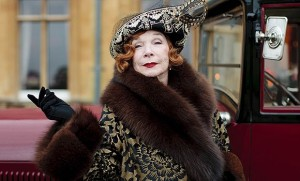 Dame_Maggie_Smith_vs_Shirley_MacLaine_in_Downton_Abbey_series_three___video